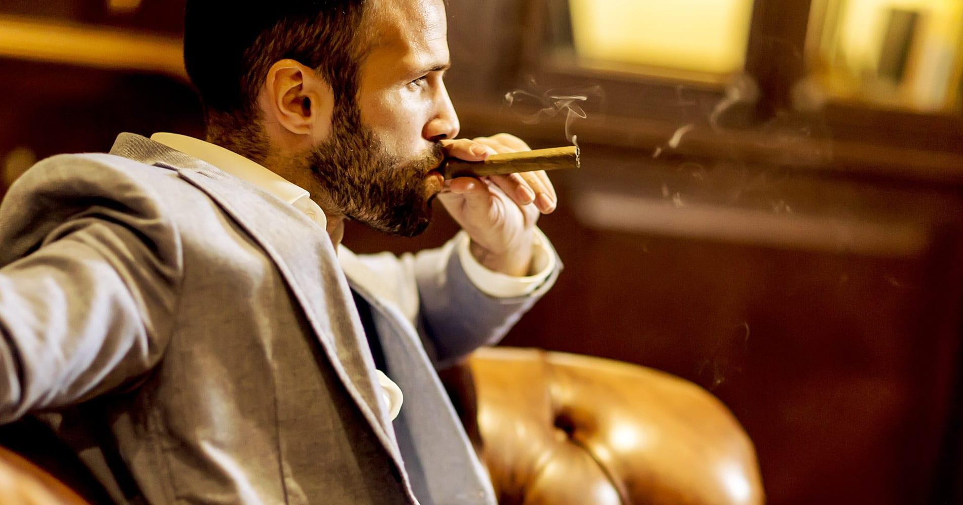 Idee regalo per i papà che ama fumare sigarette, sigari o pipa