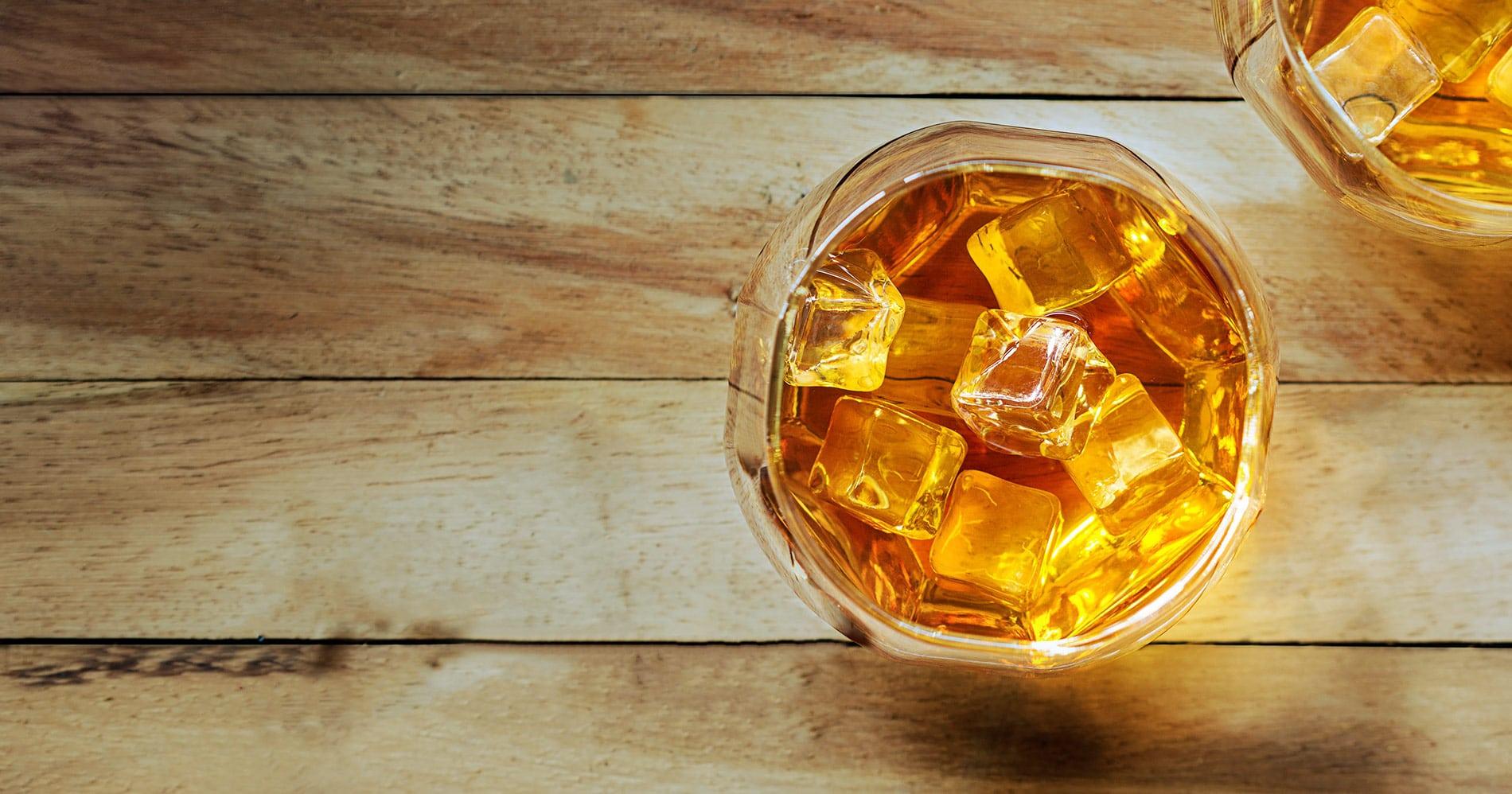 idee regalo per gli amanti del whiskey, del gin, del rum, della vodka, dei cocktail